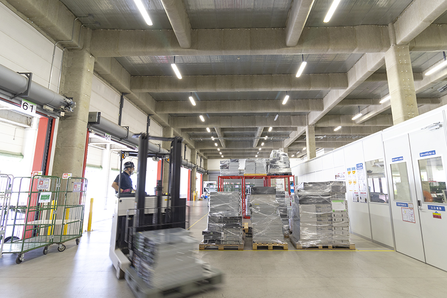 データライブ 関東ストックセンター 荷捌きスペース